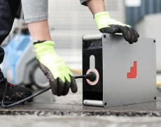 Die Batteriespeicher von instagrid können herkömmliche Generatoren ersetzen