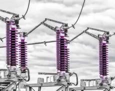 Stromleitungen mit Spulen
