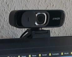 Anker PowerConf C300 Webcam mit angebrachter Objektiv-Schiebeklappe für mehr Datenschutz