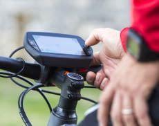 Ein Fahrradcomputer erteilt Auskunft über Geschwindigkeit, Streckenlänge und vieles mehr