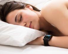 Gutes Ein- und Durchschlafen lässt sich durch Schlaftracker fördern