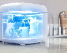 Die Philips UV-C-Desinfektionsbox von Signify eignet sich hervorragend für den Einsatz in der Küche