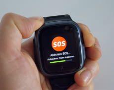 Wird rechts an der Uhr ein Button gedrückt, startet der SOS-Modus