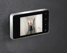 Am Display lassen sich Besucher aus sicherer Entfernung besser einschätzen