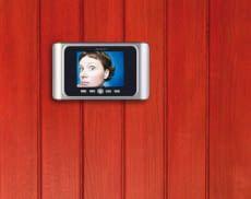 Ein TFT-Farb-Display an der Tür-Innenseite verrät wer geklingelt hat