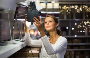 Welche IKEA Lampen bringen die Philips Hue Leuchten am besten zur Geltung?