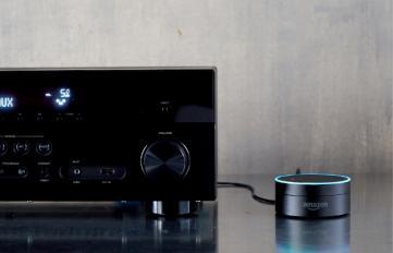 Die Amazon Echo Dot Lautsprecherbox mit Alexa Funktionalität