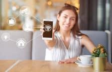 Wer sein Smart Home WLAN richtig absichert, kann lächelnd in die Zukunft blicken