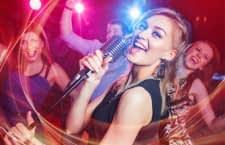 Karaoke ist ein geselliges Vergnügen für Groß und Klein