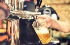 Schicke Bierzapfanlagen gibt es auch für Zuhause