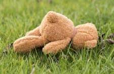 Der unsachgemäße Umgang mit einem Mähroboter kann für Kinder und Tiere gefährlich werden
