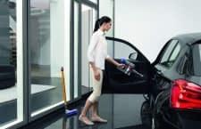 Dyson V8 Absolute kann mit wenigen Handgriffen zum kompakten Akkusauger fürs Auto umgerüstet werden